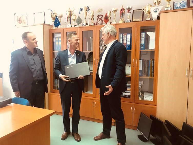 Vizita ne gjimnazin Xhevdet Doda